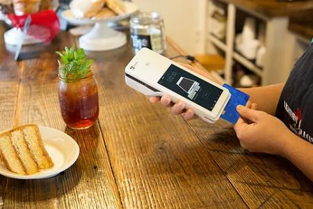 clover flex, terminal de paiement, machine interac, machine de paiement, pos, maitre d, veloce pos, pay at table, paiement à la table